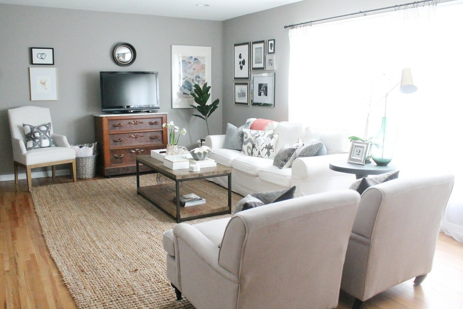 Modern-Meets-Traditional Living Room Refresh